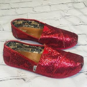 TOMS Red Glitter Size 5 Youth